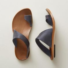 Descriptions: Upper Material:Artificial Leather Toe Type:Flip-flops Occasion:Daily,Casual Heel Height:Low Shoes Style:Slip-On Style:Casual Gender:Women Summer Slippers, Summer Shoes, Summer Sandals, Pearl Shoes, Flip Flop Shoes, Flip Flops, Casual Heels, Fashion Sandals, Artificial Leather