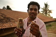 from my travels in Sri Lanka. Monkey Business, Sri Lanka, Portraits, Building, Nature, Travel, Naturaleza, Viajes, Buildings