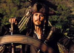 Funny pictures about Johnny Depp must be doing something good. Oh, and cool pics about Johnny Depp must be doing something good. Also, Johnny Depp must be doing something good. Johnny Depp, It's Johnny, Captain Jack Sparrow, Jake Sparrow, Black Sails, Walt Disney Pictures, The Lone Ranger, Pirate Life, Film Serie