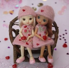 Wilde Imagination's Amelia Thimble and Izzy BJD dolls want to be your valentine.  Cindy Rice Designs