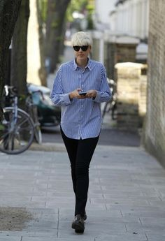 Agyness Deyn Photos - Model Agyness Deyn is seen out and about in Primrose Hill with a mystery man, the pair stopped to chat with friends as they strolled around. - Agyness Deyn in Primrose Hill Style, Girls Be Like, Pixie Outfit, Love Fashion, Punk Street Style, Mama Style, Fashion Pants, Agyness Deyn, Urban Fashion