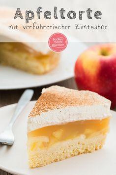 Diese Apfel-Sahne-Torte ist einer der allerbesten Apfelkuchen überhaupt: Auf den nur leicht süßen Mürbeteig folgen eine saftige, erfrischende Apfel-Pudding-Füllung und leckere Vanille-Zimt-Sahne. Kommt immer gut an!