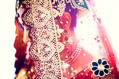 Here on Maharani Weddings' website, you'll find all you need to create your perfect Indian wedding - from decor and makeup ideas to lists of the best vendors near you Wedding Tumblr, Namaste India, Desi Wedding, Wedding Veils, South Asian Wedding, Timeless Wedding, Here Comes The Bride, Beautiful Bride, Wedding Styles