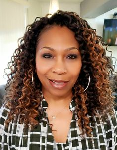 Crochet Braids by Twana is a hair styling service in Fredericksburg, Virginia. Crochet Braids are hair extensions added to a cornrow base with a latch hook. Braided Hairstyles Updo, Teen Hairstyles, Black Women Hairstyles, Fancy Hairstyles, Crochet Twist Hairstyles, Hairstyles Videos, Updo Hairstyle, Wedding Hairstyles, Curly Crochet Hair Styles