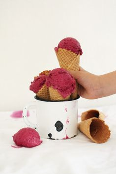 Beetroot ice cream with chocolate