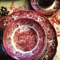Collection of vintage pink transferware from The Bee Cottage, Excelsior, Minnesota, USA Vintage Plates, Vintage Dishes, Antique China, Vintage China, Red And Pink, Red And White, Red Cottage, White Dishes, China Patterns