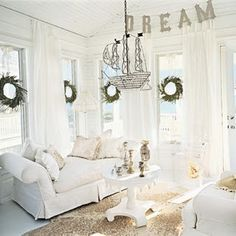 Having a personality color white means you are neat and immaculate in your appearance, in the presentation of your home and in your car, almost to the point of being fanatical.