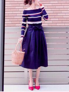 Spick & Spanのニット・セーター「マルチボーダーオフショルプルオーバー◆」を使ったhononのコーディネートです。WEARはモデル・俳優・ショップスタッフなどの着こなしをチェックできるファッションコーディネートサイトです。