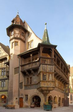 The Pfister House,built in at the corner of the Marchands' street and the Mercière street in Colmar, Alsace,France.In the right background,the St Martin's Church. Colmar France, Strasbourg, Medieval Houses, Medieval Town, Historical Architecture, Architecture Details, Haute Marne, Ville France, Howls Moving Castle
