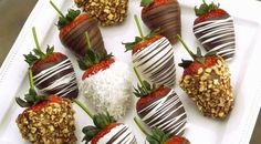 Do This One Thing To Make Perfect Chocolate Covered Strawberries >> https://www.finedininglovers.com/blog/food-drinks/how-to-make-chocolate-covered-strawberries/