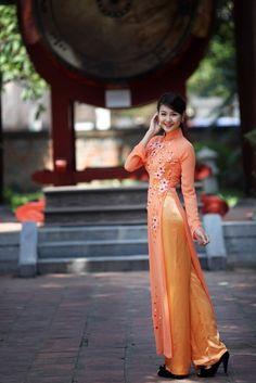 """Vietnam's traditional dress, """"Ao Dai"""""""