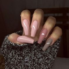 Are you looking for acrylic coffin nail color designs for fall and winter? See our collection full of cute acrylic coffin nail color design ideas and get inspired!
