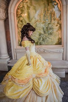 Disney cosplay Princess Belle - Nay Belle Cosplay, Belle Costume, Disney Cosplay, Disney Costumes, Disney Princess Cosplay, Disneyland Princess, Disney Dream, Disney Love, Disney Art