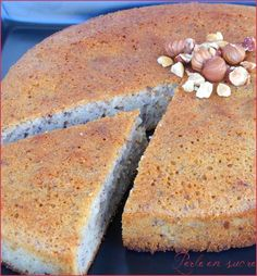 The hazel nut cake French Desserts, Köstliche Desserts, Delicious Desserts, Yummy Food, Raw Food Recipes, Sweet Recipes, Rustic Cake, Tea Cakes, Easy Cooking