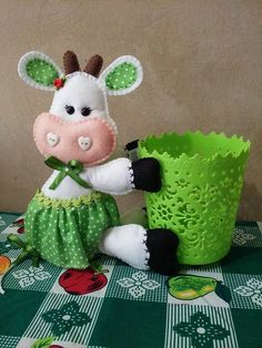 This Pin was discovered by оль – BuzzTMZ Sewing Toys, Sewing Crafts, Sewing Projects, Foam Crafts, Diy And Crafts, Arts And Crafts, Yarn Animals, Crochet Baby Jacket, Hand Embroidery Patterns Flowers