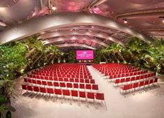 A unique location for conferences, gala dinners, events, workshops, fashion shows, car presentation and whatever else your creativity will think. 1000 seats - Crowne Plaza Verona
