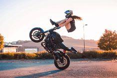 September 23 2018 at Stunt Bike, Lady Biker, Biker Girl, Freedom Riders, Drag Bike, Motorcycle Types, Vans Girls, Biker Chick, Cycling Bikes