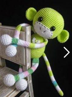 MONO / MONKEY VER MAS MONOS VER PATRÓN 14784 lana negra lana blanca lana verde lana azul lana rosa ojos fieltro guata para el relleno ganchillo y aguja de lana