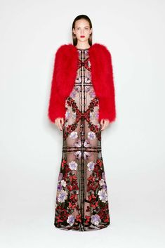 Alexander McQueen Pre-Fall 2016 Fashion Show so pretty it makes my eyes hurt like sunlight thru stained glass