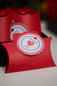 Pillow box valentine using the #Silhouette Cameo print and cut feature for tag and cut and score feature for box.