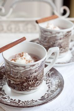 Spiced Hot Cocoa for Election Day - creamy, rich, and comforting hot chocolate spiced with cinnamon, nutmeg, and vanilla. Brunch, Savarin, Cocoa Cinnamon, Chocolate Coffee, Chocolate Brown, Tea Cakes, Kakao, Yummy Drinks, Fun Drinks