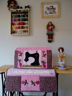 Sewing Room Design, Sewing Spaces, Sewing Art, Sewing Rooms, Sewing Crafts, Princess Crafts, Serger Sewing, Embroidery Tools, Sewing Room Organization