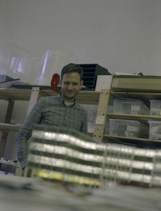photo: Tamas Szelestey | #agorabudapest #hbreavis #architecturemodel #architecture #architecturelovers #archilovers #ig_architecture #makett #maquette #modelmaking #scalemodel #modelartpresentation #architecturalmodelswithstyle #highendarchitecturalmodels #analog Marketing Models, H Style, Art Model, Scale Models, Budapest, Insight, Presentation, Workshop, Abs