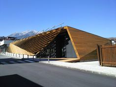 OBIA renovates ice rink with wooden leaf-shaped lattice in bulgaria Timber Architecture, Beautiful Architecture, Residential Architecture, Contemporary Architecture, Architecture Design, Building Design, Building Exterior, Bansko Bulgaria, Wooden Buildings
