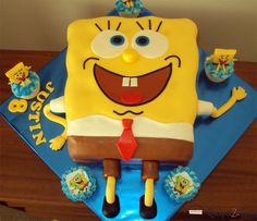 I will attempt something similar for JP, but it looks so difficult! Boy First Birthday, 4th Birthday Parties, Birthday Ideas, Birthday Stuff, Square Birthday Cake, Birthday Cakes, Spongebob Party, Spongebob Squarepants, Rodjendanske Torte