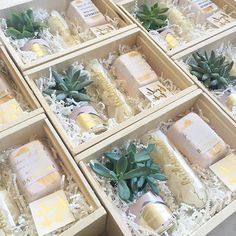 Bridesmaid Gift Boxes from www.boxandbowshop.com | Will you be my bridesmaid?