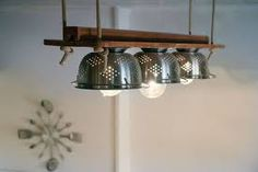 5 incredible upcycling ideas- 5 unglaubliche Upcycling Ideen Upcycling lamp made of kitchen sieve - Upcycled Home Decor, Upcycled Furniture, Unique Home Decor, Diy Home Decor, Smart Kitchen, Diy Kitchen, Kitchen Decor, Kitchen Staging, Home Decor Baskets