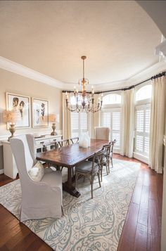 French Dining Room. Gorgeous French Dining Room. #FrenchInteriors #DiningRoom.