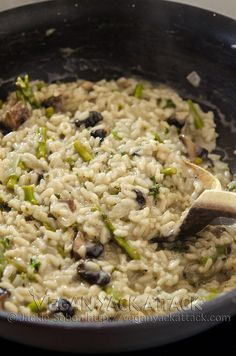 Who doesnt love digging into a big bowl of Asparagus Portabella Risotto sprinkled with vegan Parmesan? No one, thats who.