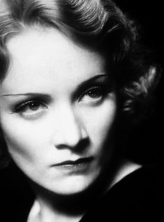 Marlene Dietrich. If eyes could kill.