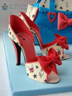 Cake International Entry - Shoes and Handbags High Heel Cakes, Shoe Cakes, Cupcake Cakes, 3d Cakes, Fondant Cakes, Girly Cakes, Fancy Cakes, Pink Cakes, Handbag Cakes