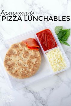 Lunchables are one of the coolest things kids can bring for lunch. This homemade… Lunchables are one of the coolest things kids can bring for lunch. This homemade pizza lunchables recipe is perfect for the kids lunch boxes! Healthy Lunches For Work, Cold Lunches, Toddler Lunches, Lunch Snacks, Healthy Kids, Healthy Cooking, Toddler Food, Healty Lunches, Bag Lunches