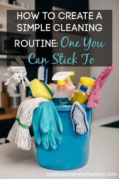 Creating a simple cleaning routine that you can stick to so you have a clean and tidy home on a regular basis requires one powerful motivational tool. Cleaning Checklist, Cleaning Hacks, Cleaning Routines, Toilet Cleaning, Bathroom Cleaning, Declutter Books, Old Fashioned Kitchen, Money Saving Mom, Shower Cleaner