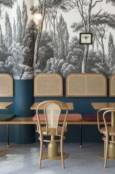 Traditional Interior Design Ideas For A Beautiful Home Restaurant Interior Design, Home Interior Design, Interior Decorating, Design Hotel, Bar Interior, Interior Livingroom, Bathroom Interior, Luxury Interior, Luxury Furniture