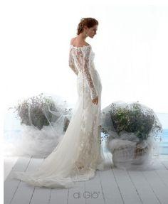 Bridal dress in pizzo