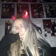 Read grunge from the story icons by (vix) with reads. estos son como re grunge satan los amo ! si los van a usar que sea. Grunge Girl, Grunge Style, Soft Grunge, Aesthetic Grunge, Aesthetic Photo, Aesthetic Girl, Gothic Aesthetic, Pretty People, Beautiful People