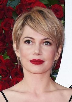 10 Best Beauty Looks From the Tony Awards The 10 Best Beauty Looks From the Tony Awards: No one pulls off a red lip better than Michelle Williams, and this velvet-y cherry color is no exception. Pixie Hairstyles, Cool Hairstyles, Hairstyle Ideas, Easy Hairstyle, Wedding Hairstyles, Hair Inspo, Hair Inspiration, New Hair, Your Hair
