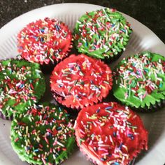 Classic cupcake decoration. Perfect for kids birthday parties.