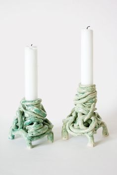 karin hagen Garbage piles candlesticks, earthenware - - like! Ceramic Decor, Ceramic Clay, Ceramic Pottery, Pottery Art, Diy Clay, Clay Crafts, Arts And Crafts, Clay Art Projects, Ceramics Projects