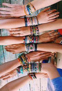 Darling Make Alphabet Friendship Bracelets Ideas. Wonderful Make Alphabet Friendship Bracelets Ideas. Summer Bracelets, Cute Bracelets, Ankle Bracelets, Yarn Bracelets, String Bracelets, Hippie Bracelets, Embroidery Bracelets, Cute Jewelry, Jewelry Accessories