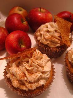 Die Liebelei läd zu ihrem ersten Blogevent! Nadine, Sandra und Jolka suchen herbstliche Cupcake-Rezepte .     Bei herbstlichen Zutaten...