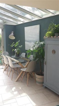 An inspirational image from Farrow and Ball Farrow And Ball Blue Gray, Farrow And Ball Paint, Farrow Ball, Lounge Colour Schemes, Kitchen Colour Schemes, Room Color Schemes, Inchyra Blue Farrow, Farrow And Ball Inchyra Blue, Dining Room Blue