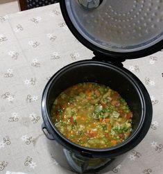 Sopa Expressa na Panela de Arroz - Veja como fazer uma sopa nutritiva e expressa... http://receitarapida24h.blogspot.com.br/2015/09/sopa-expressa-na-panela-de-arroz.html