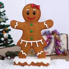 Hi-Line Gift Ltd. Looks good enough to eat! Surprise your Christmas festivities with this delectable Gingerbread Girl Oversized Figurine. Add a sense of warmth to every holiday gathering. Christmas Tree Yard Art, Diy Christmas Light Decorations, Gingerbread Man Decorations, Christmas Gingerbread Men, Christmas Light Displays, Gingerbread Crafts, Gingerbread Cookies, Gingerbread Train, House Decorations
