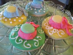 This is an idea to incorporate those great Derby hats into an edible snack!