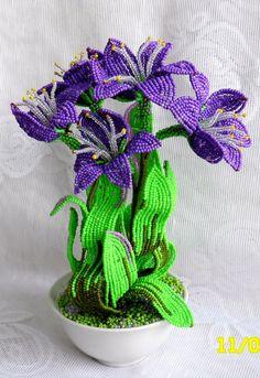 Фуксия из бисера Цветы из бисера